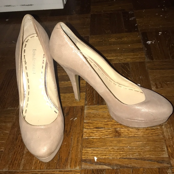 Shoes - Light blush sparkled heels